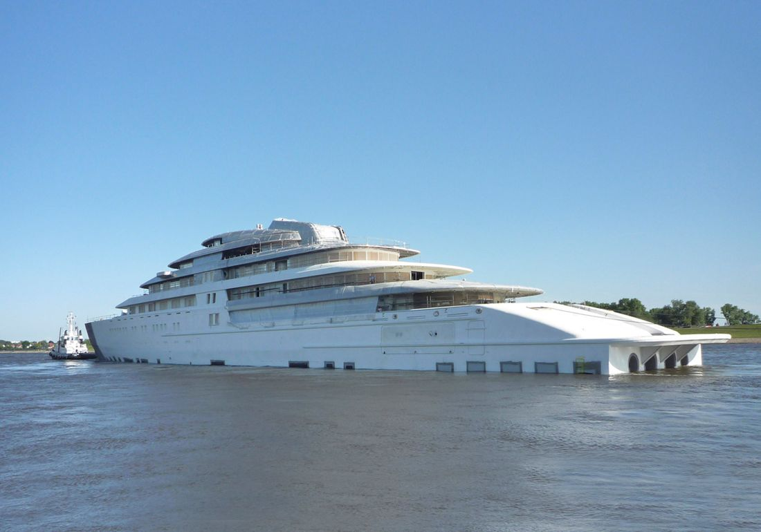 Azzam The World S Largest Luxury Yacht Ever Built The Milliardaire