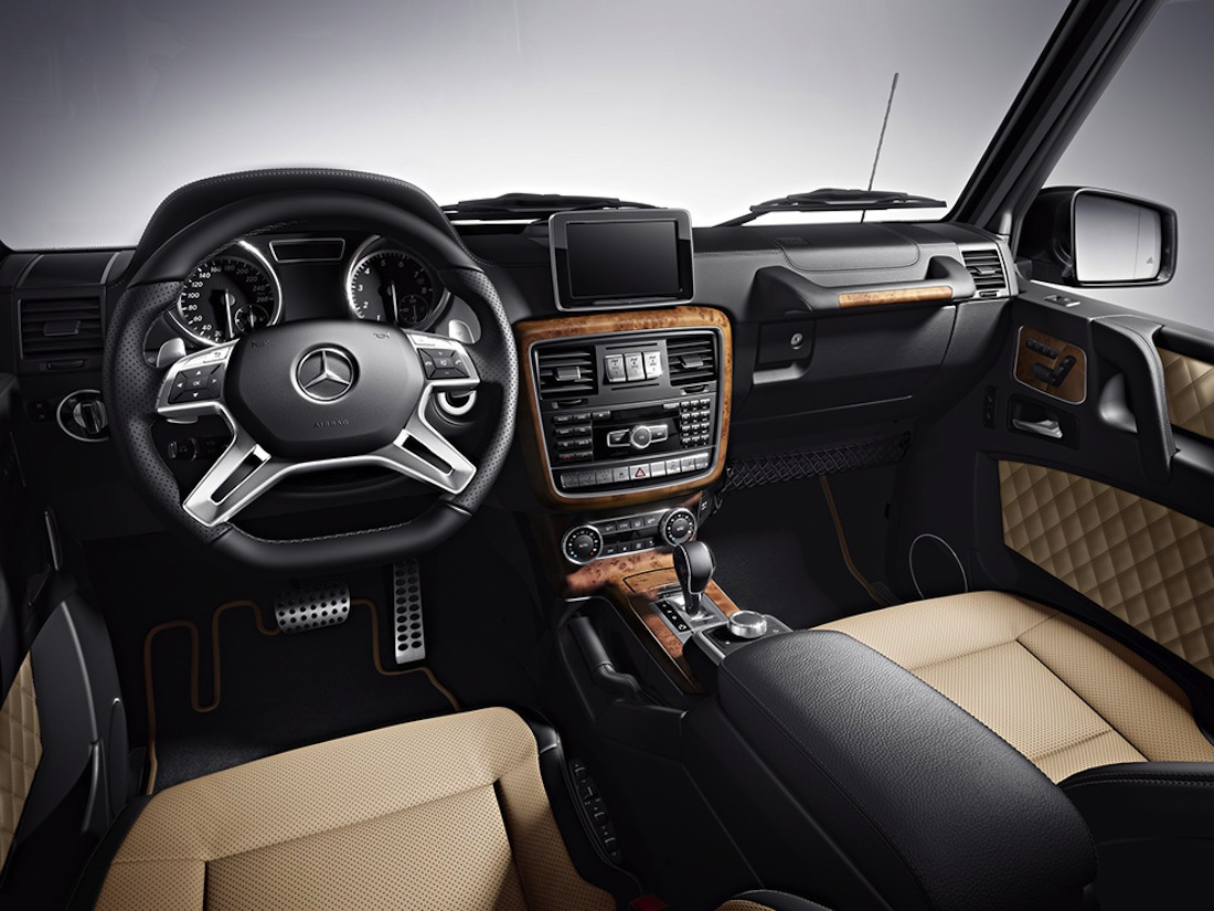 Mercedes g class cabriolet final edition 200 for Mercedes benz interieur