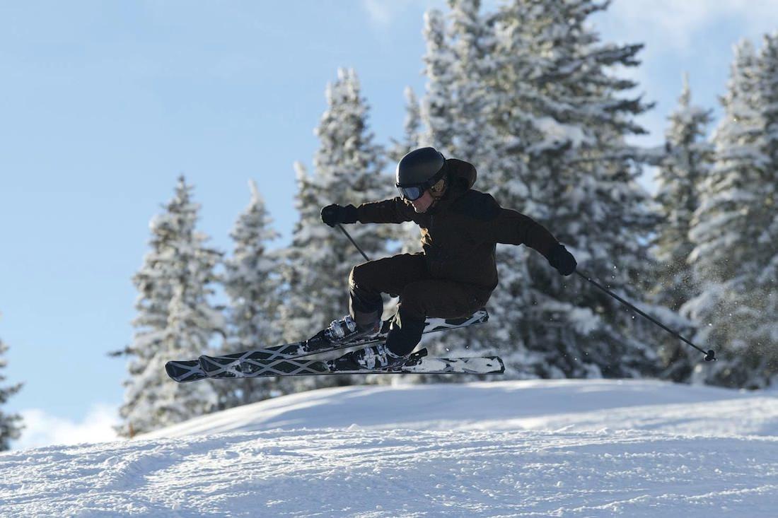 zai sport skiing