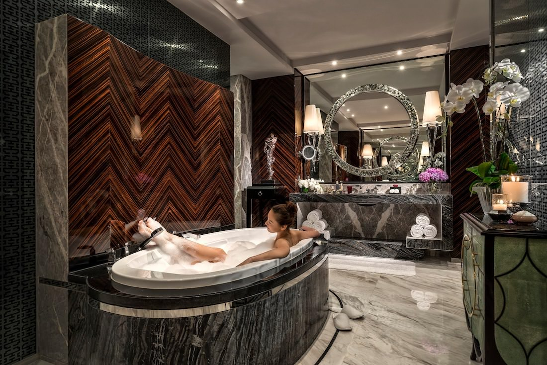 The Four Seasons Hotel Pudong Melting Luxury And Discretion