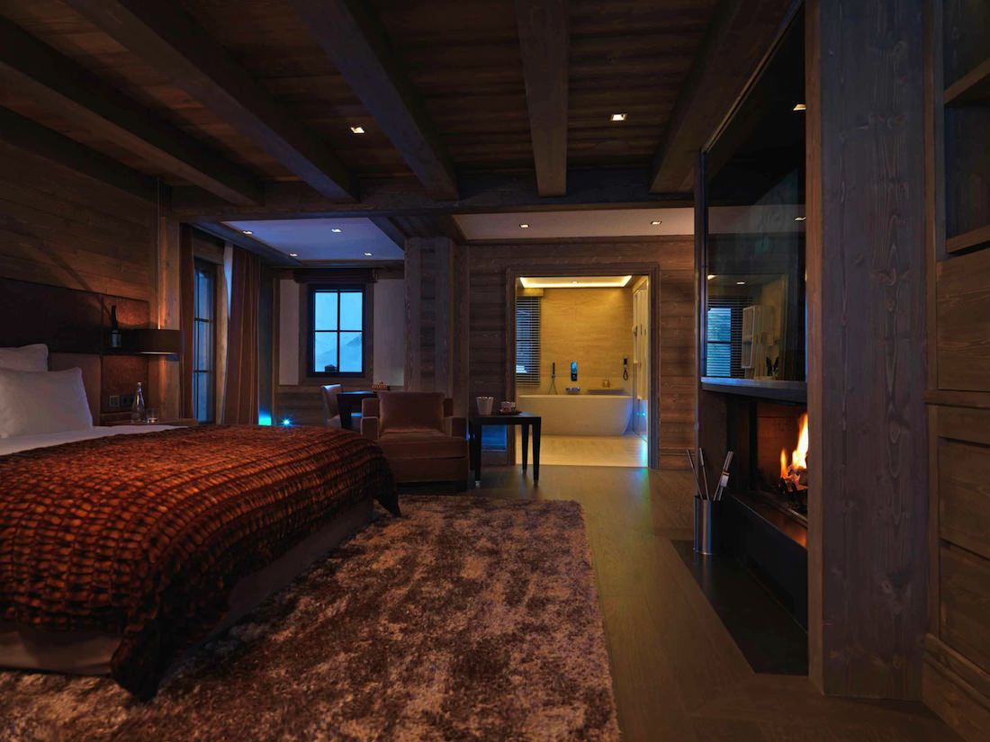 courchevel and its ultra luxury chalets for euros per week. Black Bedroom Furniture Sets. Home Design Ideas