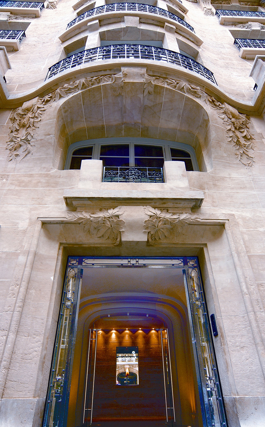 The hotel sezz in paris design technology for The design hotel paris
