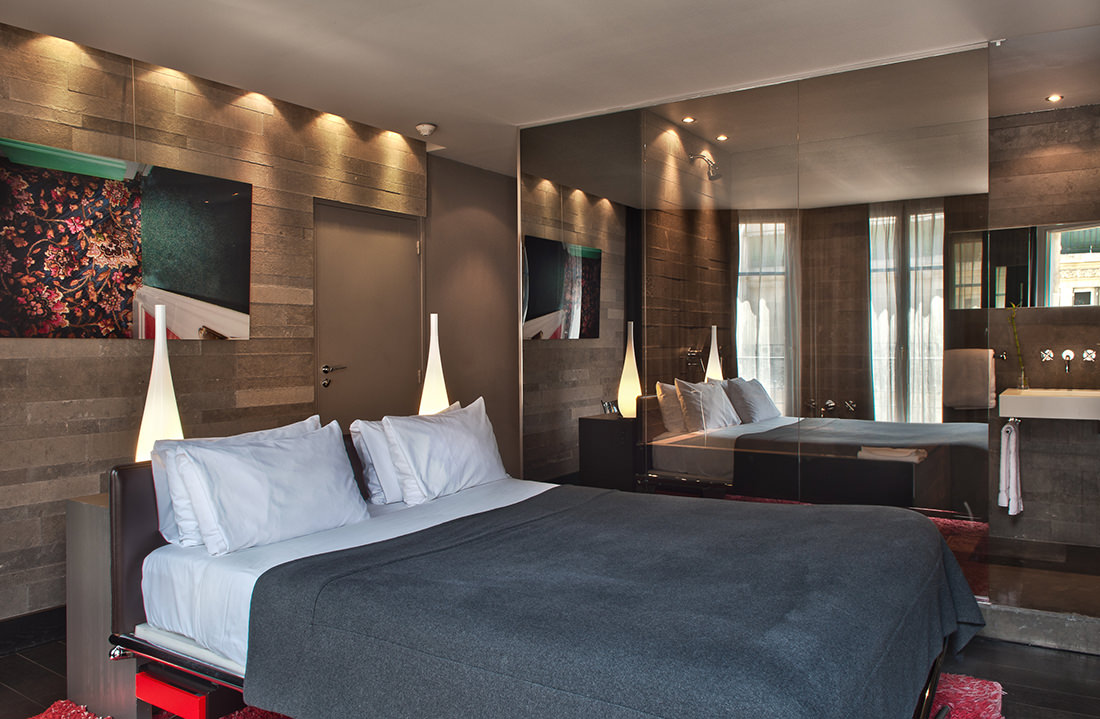 The hotel sezz in paris design technology for Hotel design paris 7