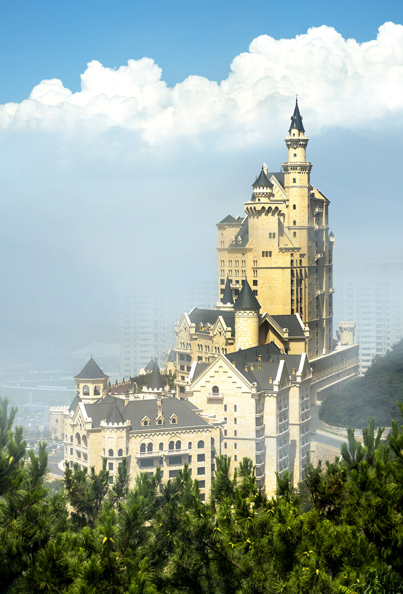 The castle hotel a luxury collection hotel dalian 1 for The luxury collection hotel