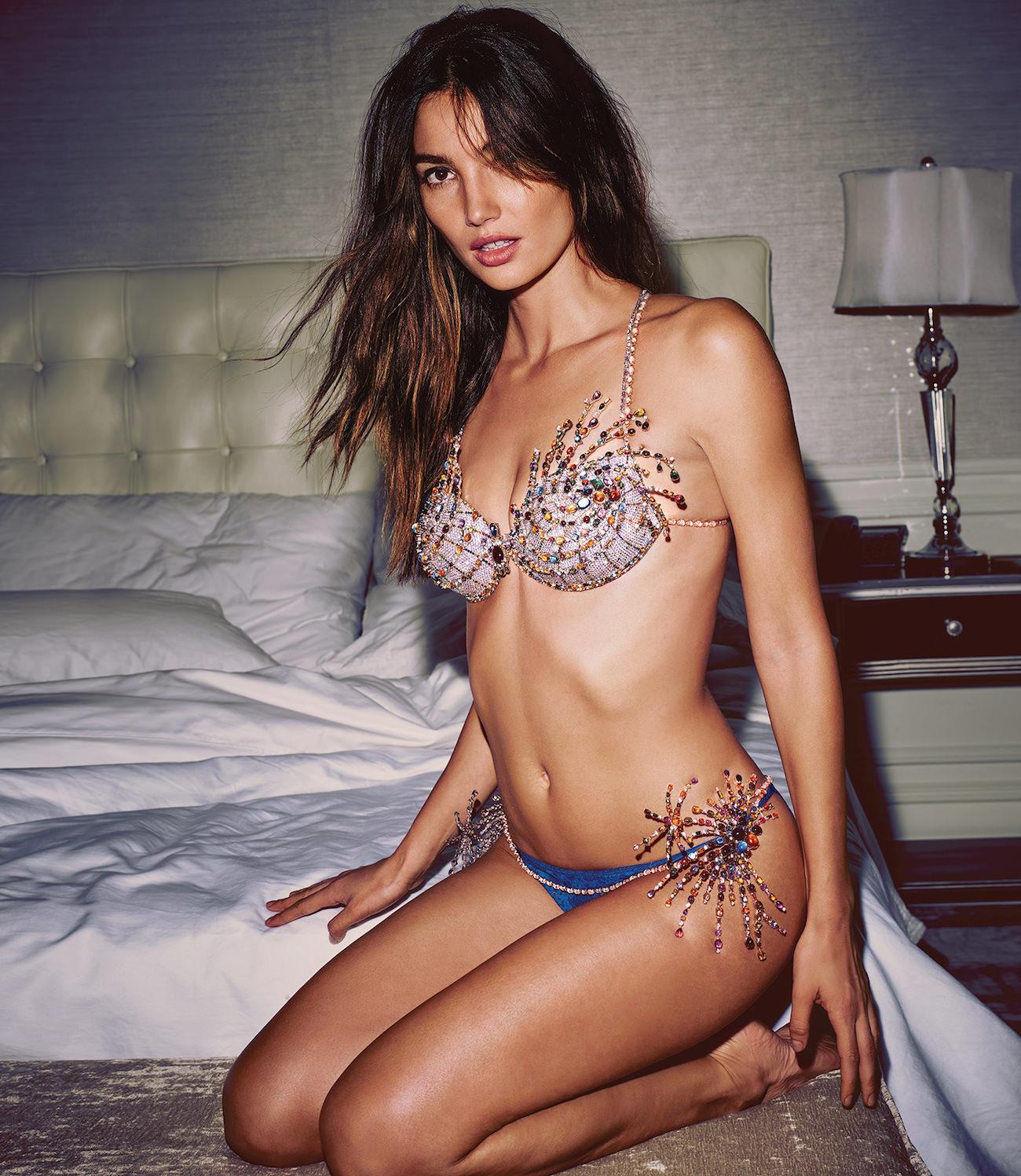 c311d045db402 Fireworks Fantasy Bra by Victoria s Secret  the most expensive bra ...