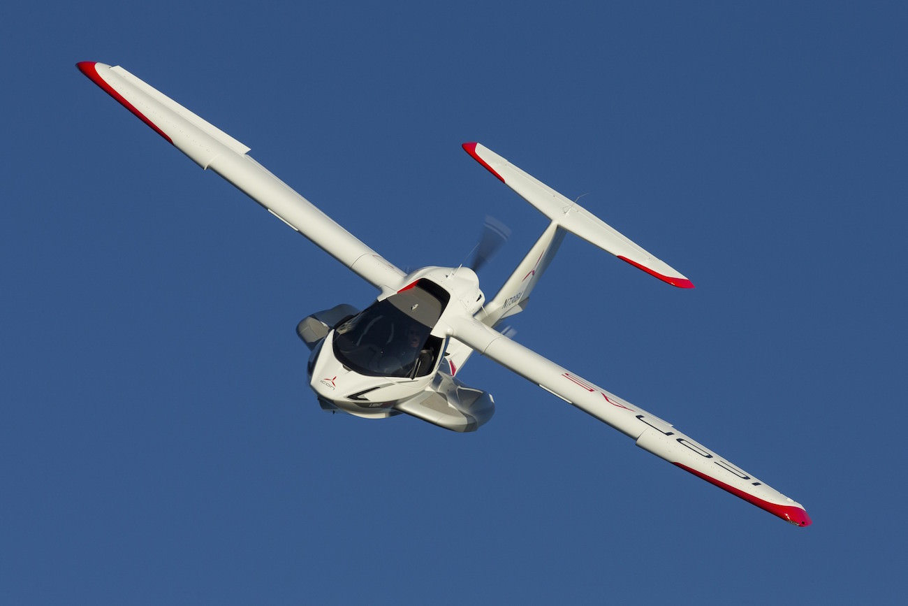 Icon A5 Flying Icon Aircraft A5: An a...