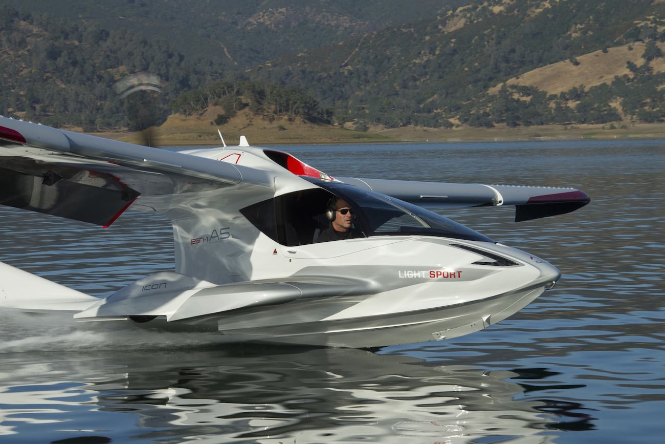 Icon Aircraft A5 A Hybrid With A Punchy Design That