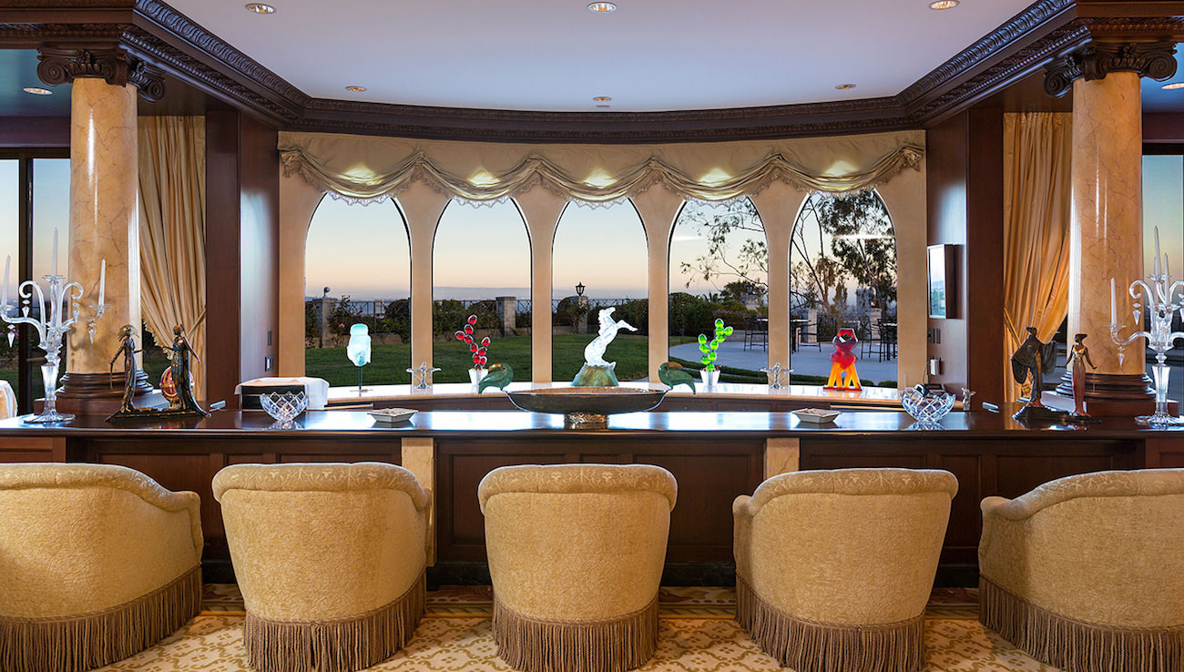Vip S House For Sale On Top Of Beverly Hills For The