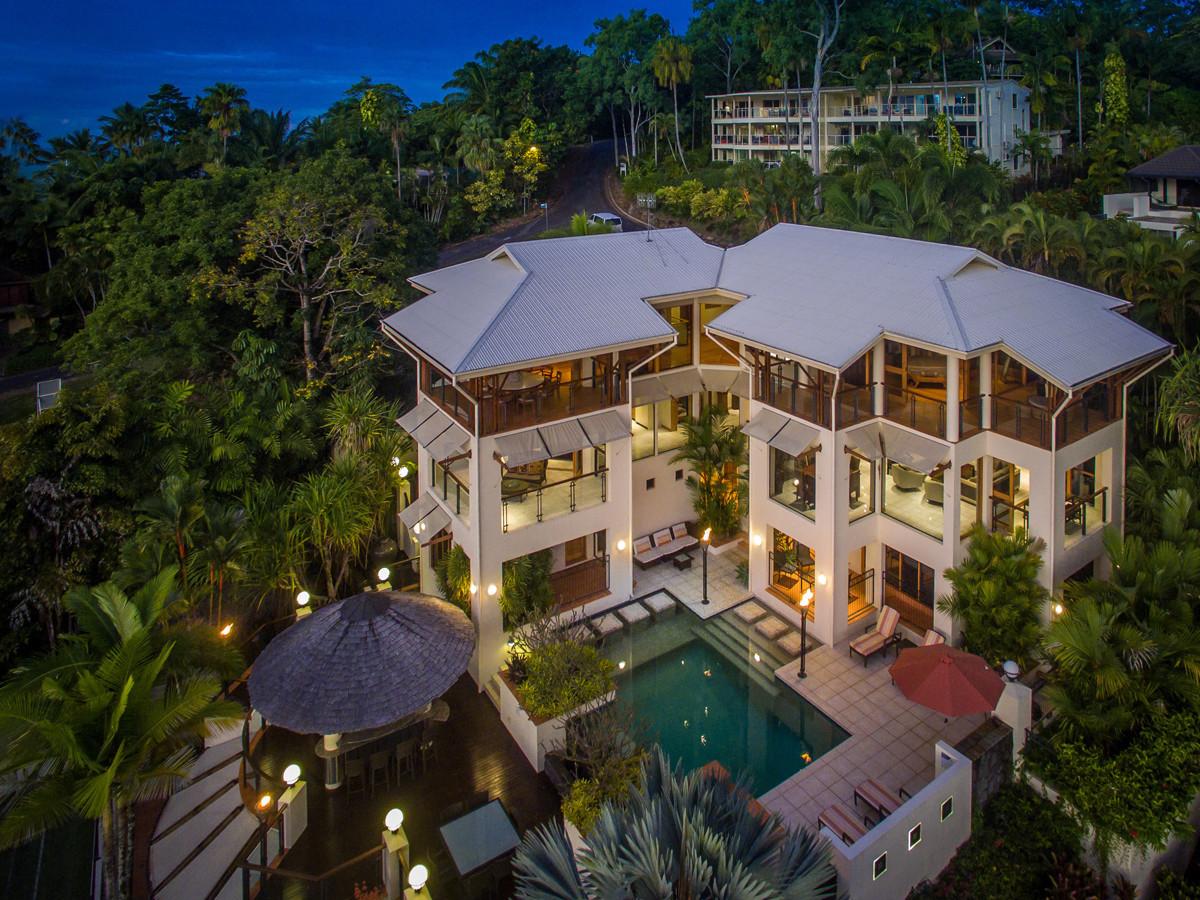 Villa Hemingway A Resort Like Villa Above The Coral Sea In