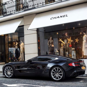 Aston Martin Luxe Luxury Life Shopping